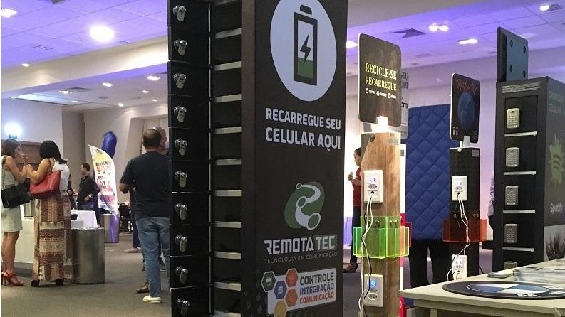 Armário para carregar celular